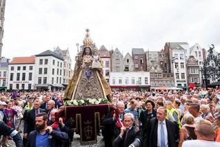 Herbekijk de virtuele Maria processie en eucharistieviering Maria Tenhemelopneming