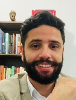 AS POLÍTICAS PÚBLICAS COMO MECANISMOS DE EFETIVAÇÃO DE DIREITOS PARA AS PESSOAS IDOSAS NO BRASIL