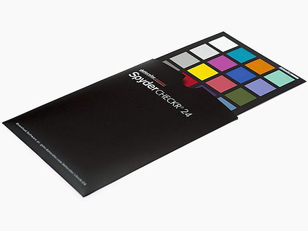 datacolor-spydercheckr-24_edited.jpg