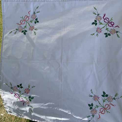 """Roses"" Tablecloth"