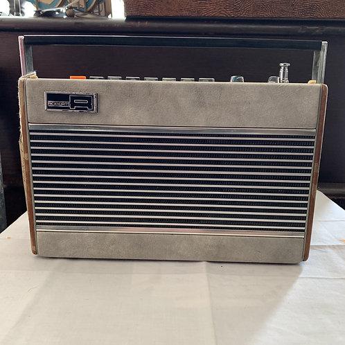 Vintage Roberts Portable Radio