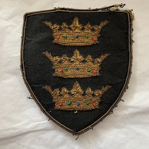 VINTAGE THREE CROWN BLAZER BADGE