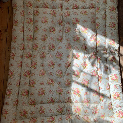 Floral Rose Eiderdown