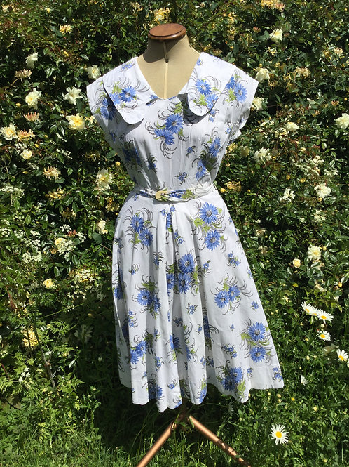 Sweet little 1940s dress