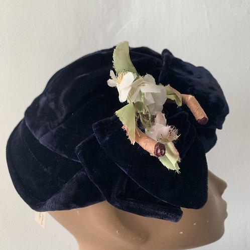 1930s/1940s Velvet Hat