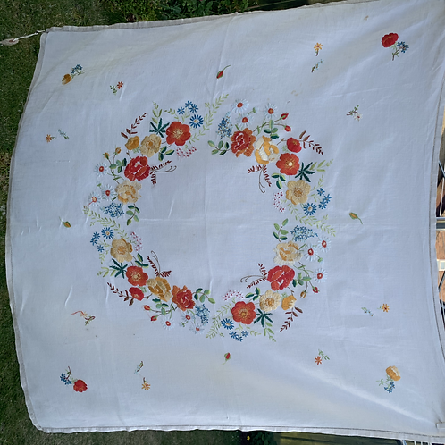 Pretty Vintage embroidered Tablecloth