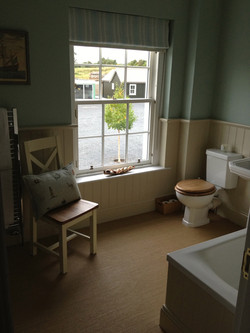 KIRK HOUSE, Knockroon Family Bathroom