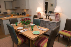 BAILLIE-SCOTT SCOTTISH ARTS & CRAFTS - Kitchen / Dining