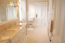 HILLHOUSE East Wing- Bathroom