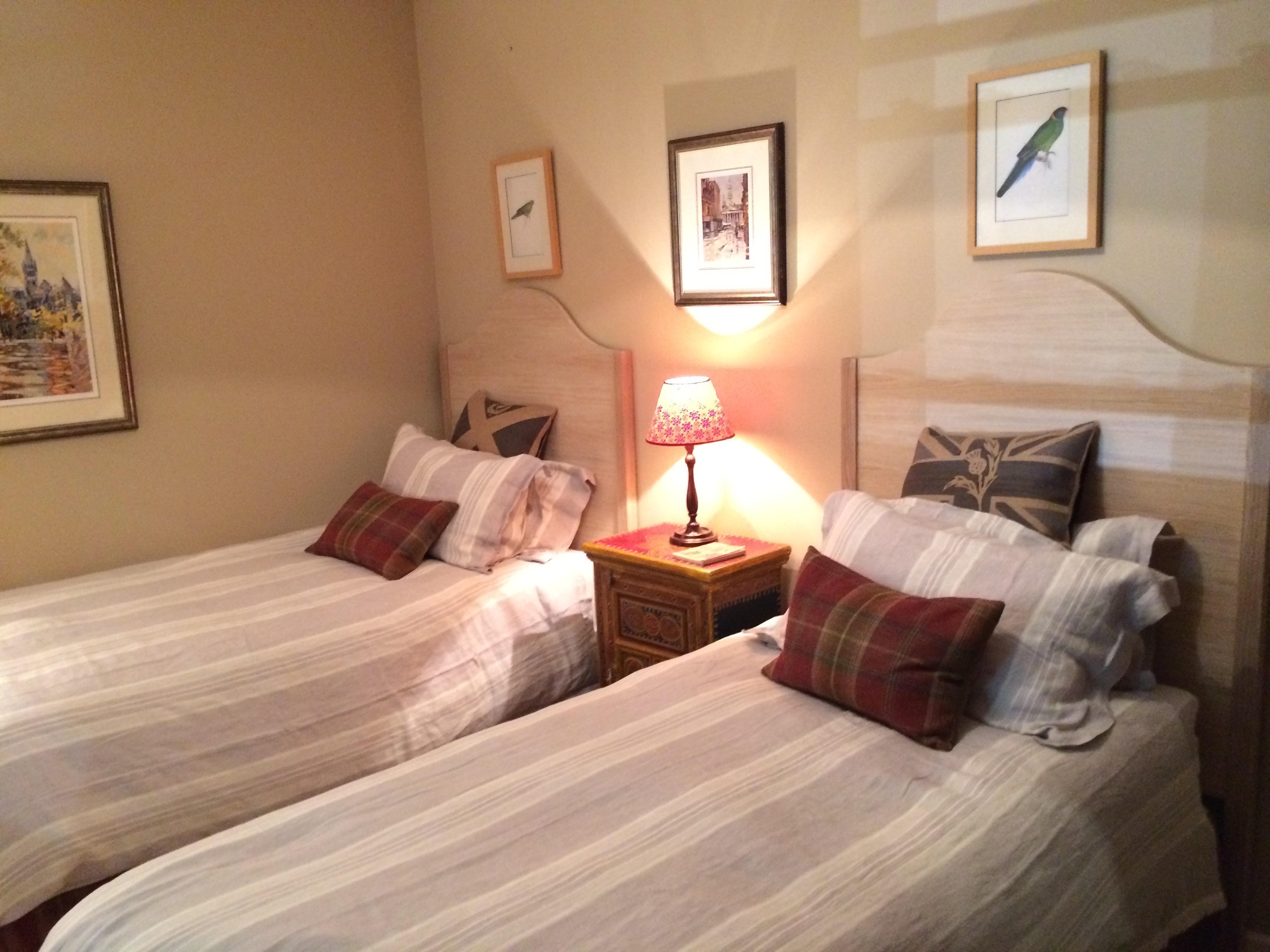 SCOTTISH TRADITIONAL VERNACULAR - Twin Bedroom