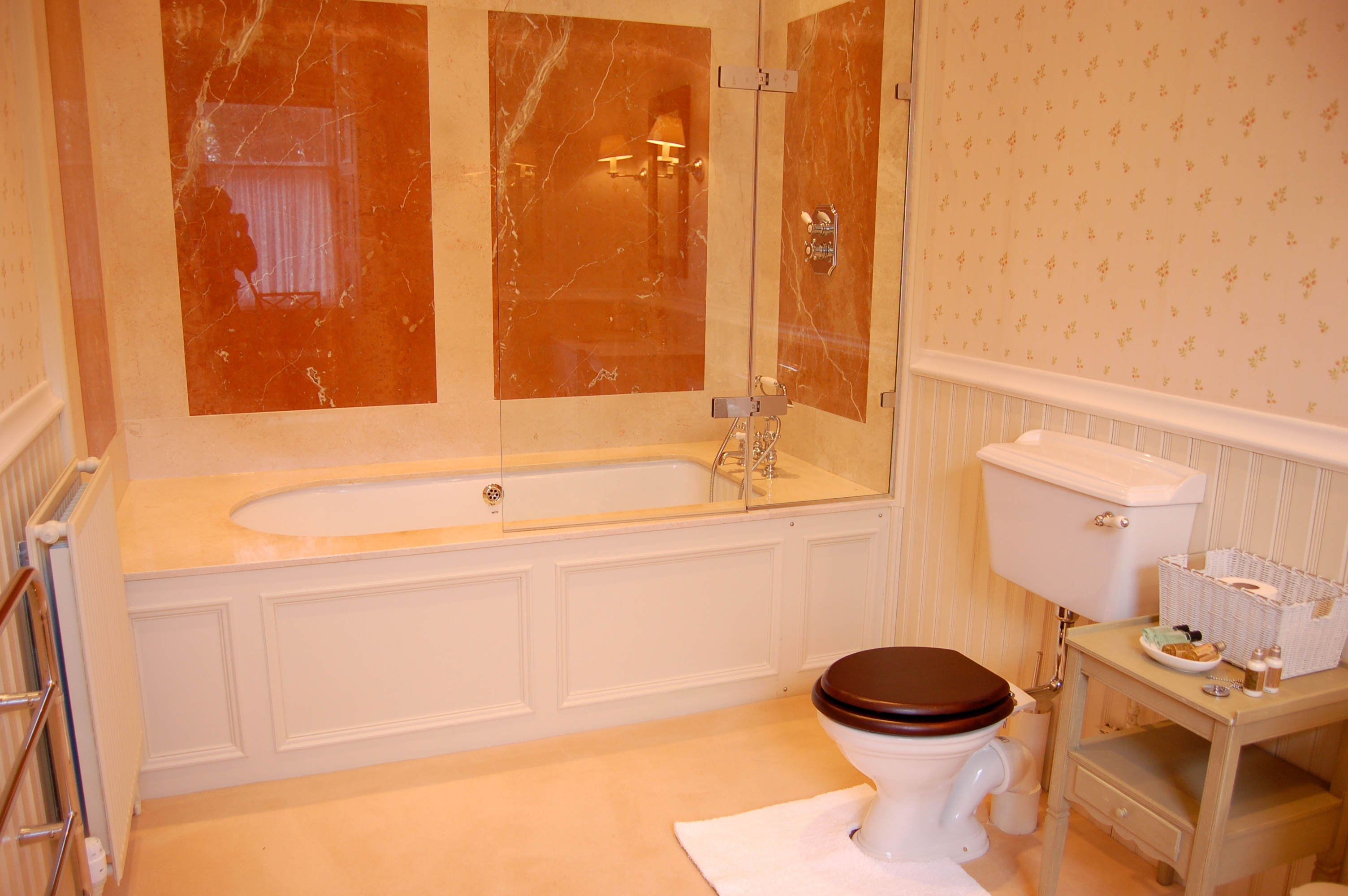 HILLHOUSE East Wing - Bathroom 1