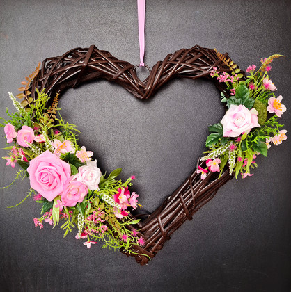 Heart Wreath_The roses and meadow flower
