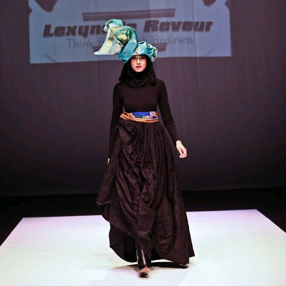African Print Modest Fashion designs by designer @lexynellereveurceo  Model @sakina.syed Make up by sponsors @tuesdayinlove  #muslimahfashion #muslimahapparelthings #hijabi #hijaber #hijabchamber #hijab #hijabfashion #chichijab #muslimchambers #muslimahchamber #muslimahfashion #simplycovered #simplyxcovered #modesty #modestfashion #modeststyle #Regrann
