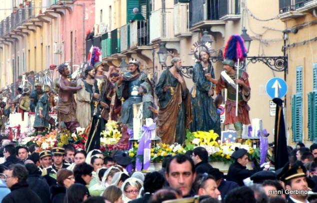 TRAPANI-MISTERI-processione-06.jpg