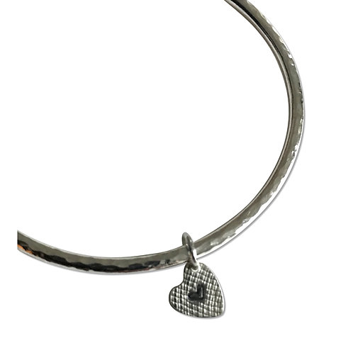 Little heart bangle