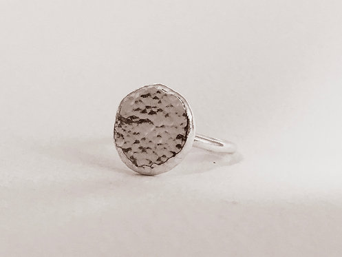Hammered pebble ring