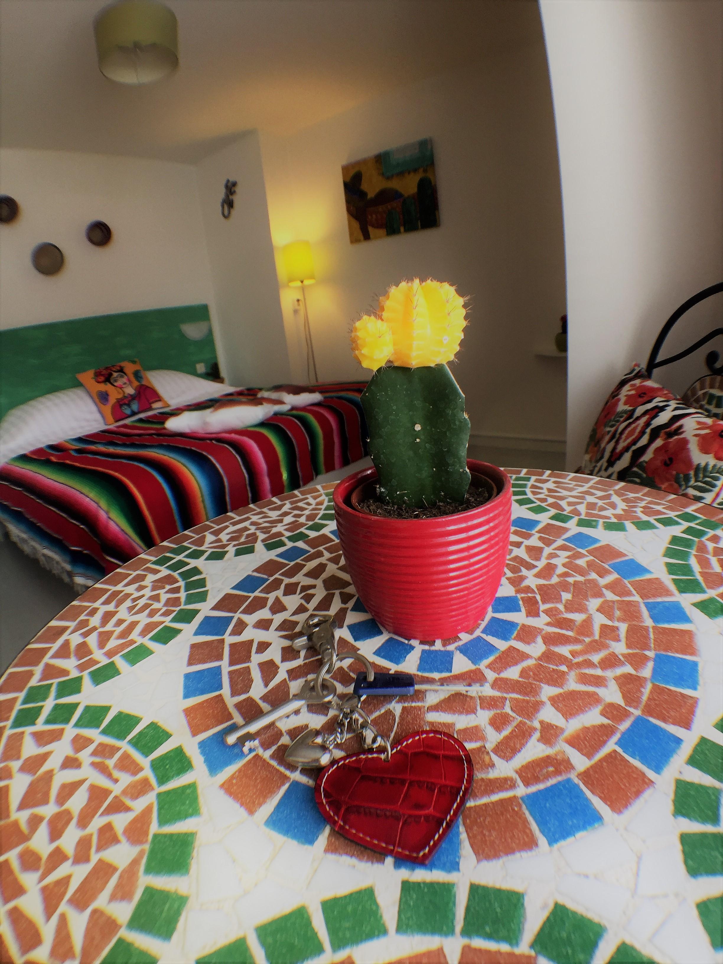 Kleurrijke hotelkamer