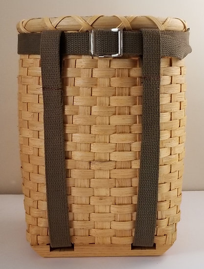 Small Pack Basket in golden oak