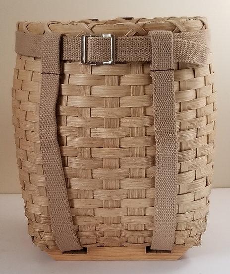 Small Pack Basket in walnut