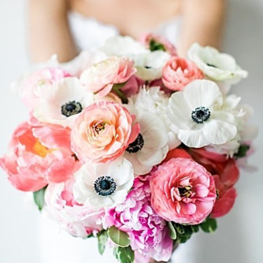 _stevendrayphoto, you are an artist, my man. 😍 loving this photo of Allison's stunning bouquet with peonies, ranunculus and anemone.jpg