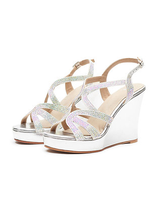 STAND OUT CRYSTAL PLATFORM