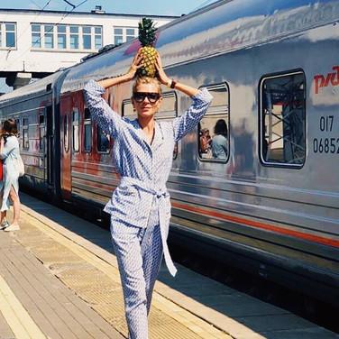 Summer escape💛_Smart & elegant Olga _ol