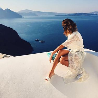 _alinn 💙 wearing our lace beach robe #