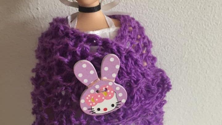 Châle en laine  violette pour poupée Barbie bouton Hello Kitty