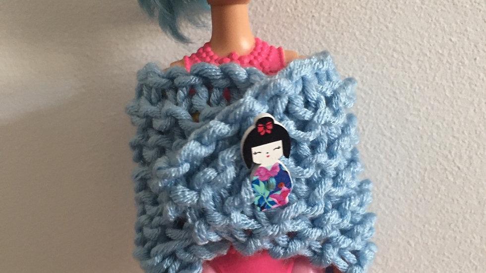 Châle bleu en laine poupée Barbie kokeshi