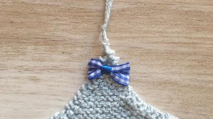 Mini sapin bleu paillette en laine déco ornement de Noël nœud