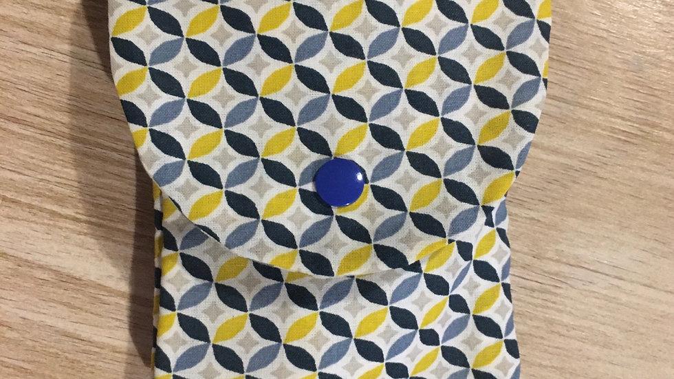 Pochette à masque bleu et jaune