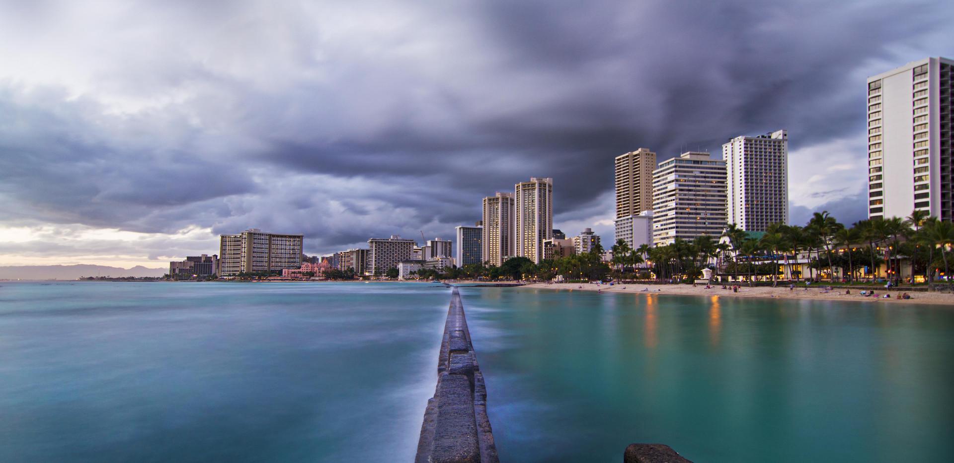 Waikiki Storm Cloud