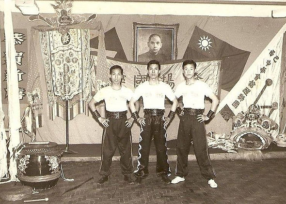 Com o Mestre Li e Jimmy.jpg