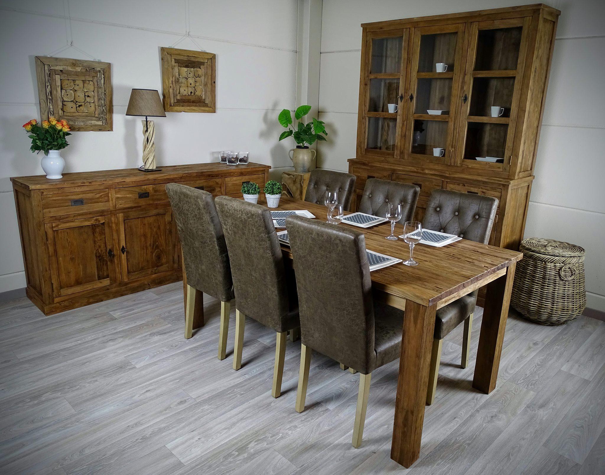 Charme Donkere Interieurs : Larix meubelen oude grenen voor een uniek interieur
