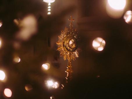 L'adoration, lumière pour le monde