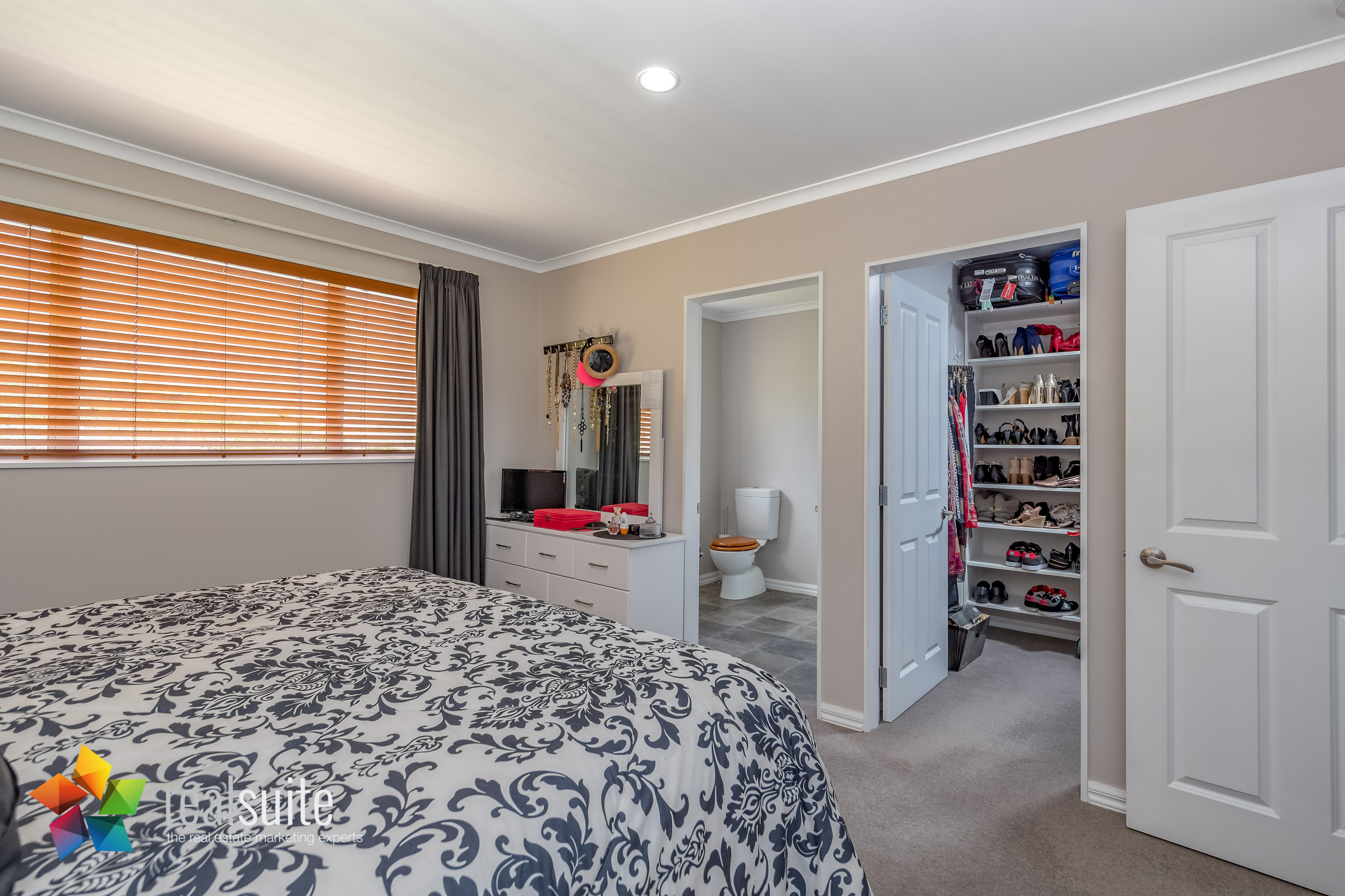 10 Frankie Stevens Place, Riverstone Terraces 4207