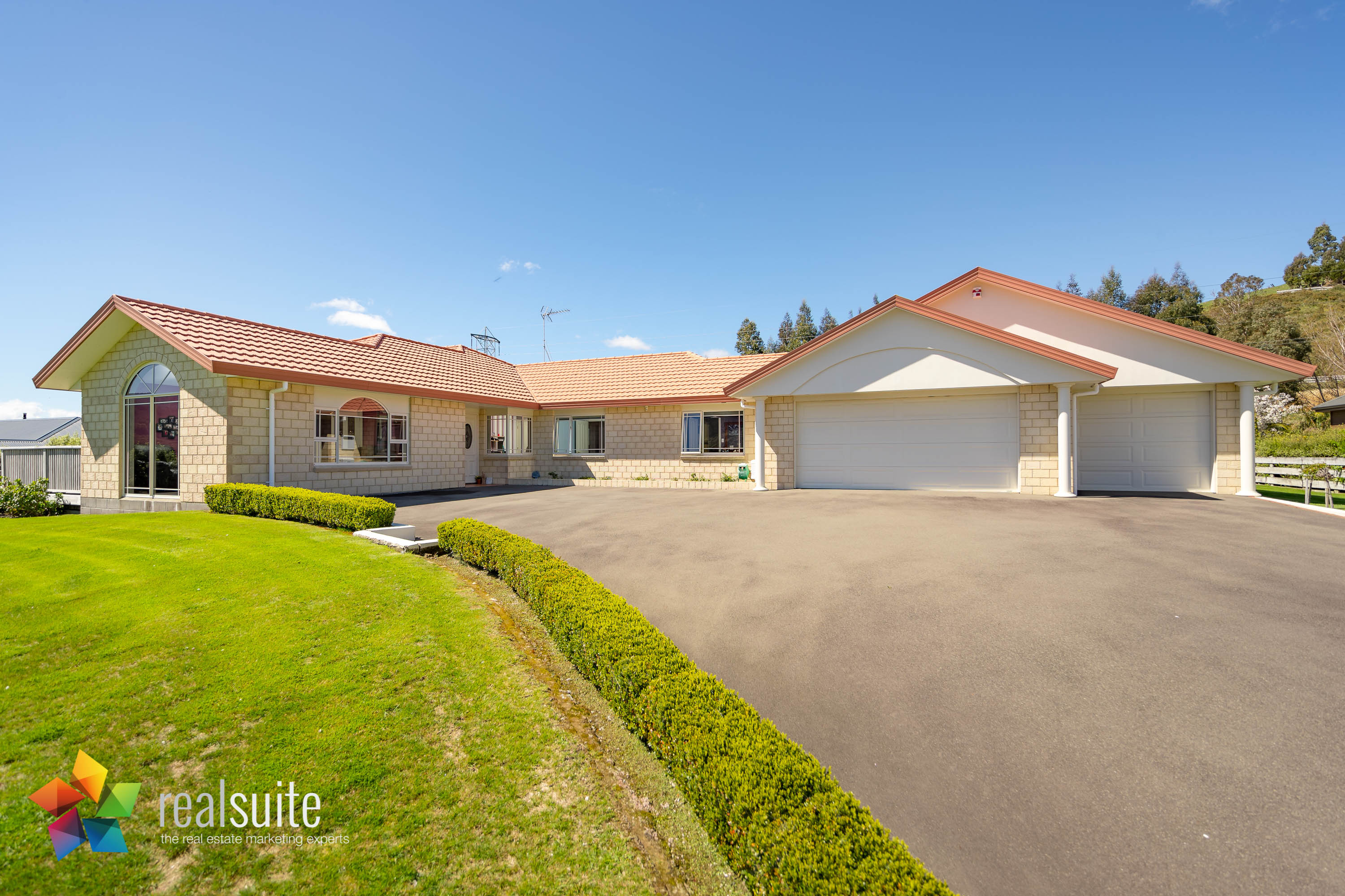 85 Emerald Hill Drive, Upper Hutt 5780