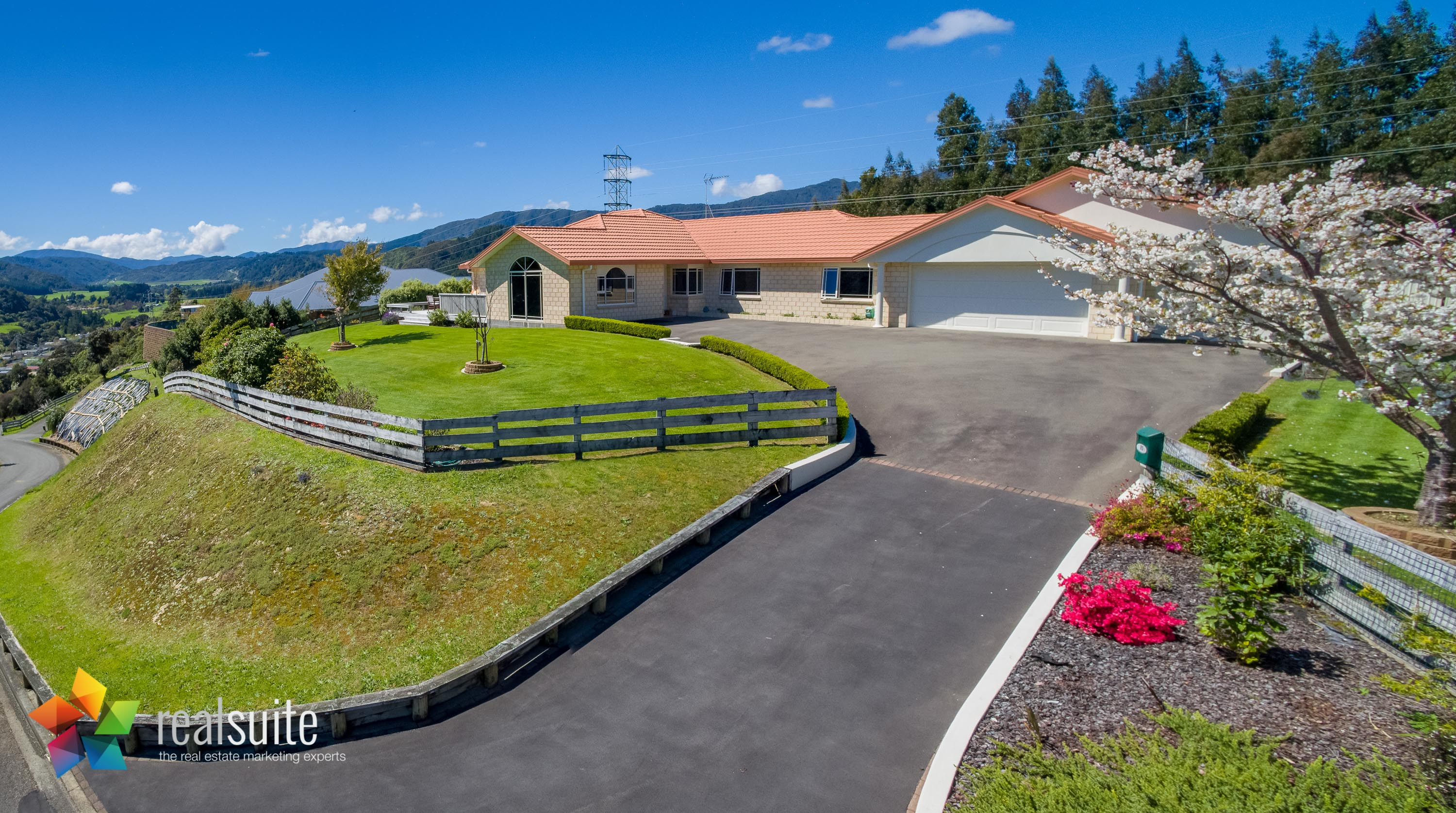 85 Emerald Hill Drive, Upper Hutt 0166