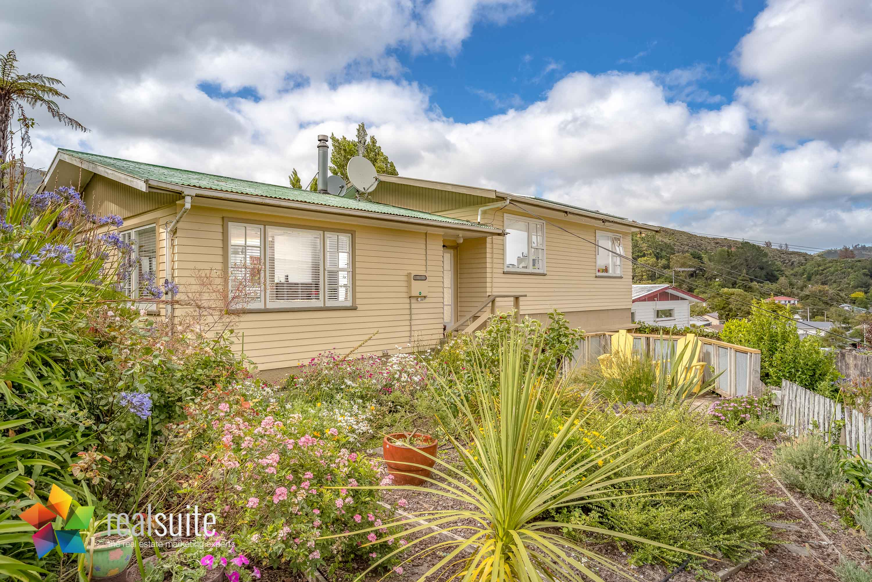 53 Lowry Crescent, Stokes Valley 8654-1b