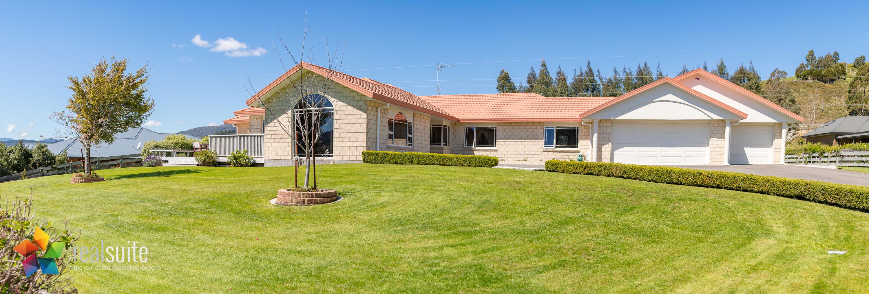 85 Emerald Hill Drive, Upper Hutt 5891-Pano
