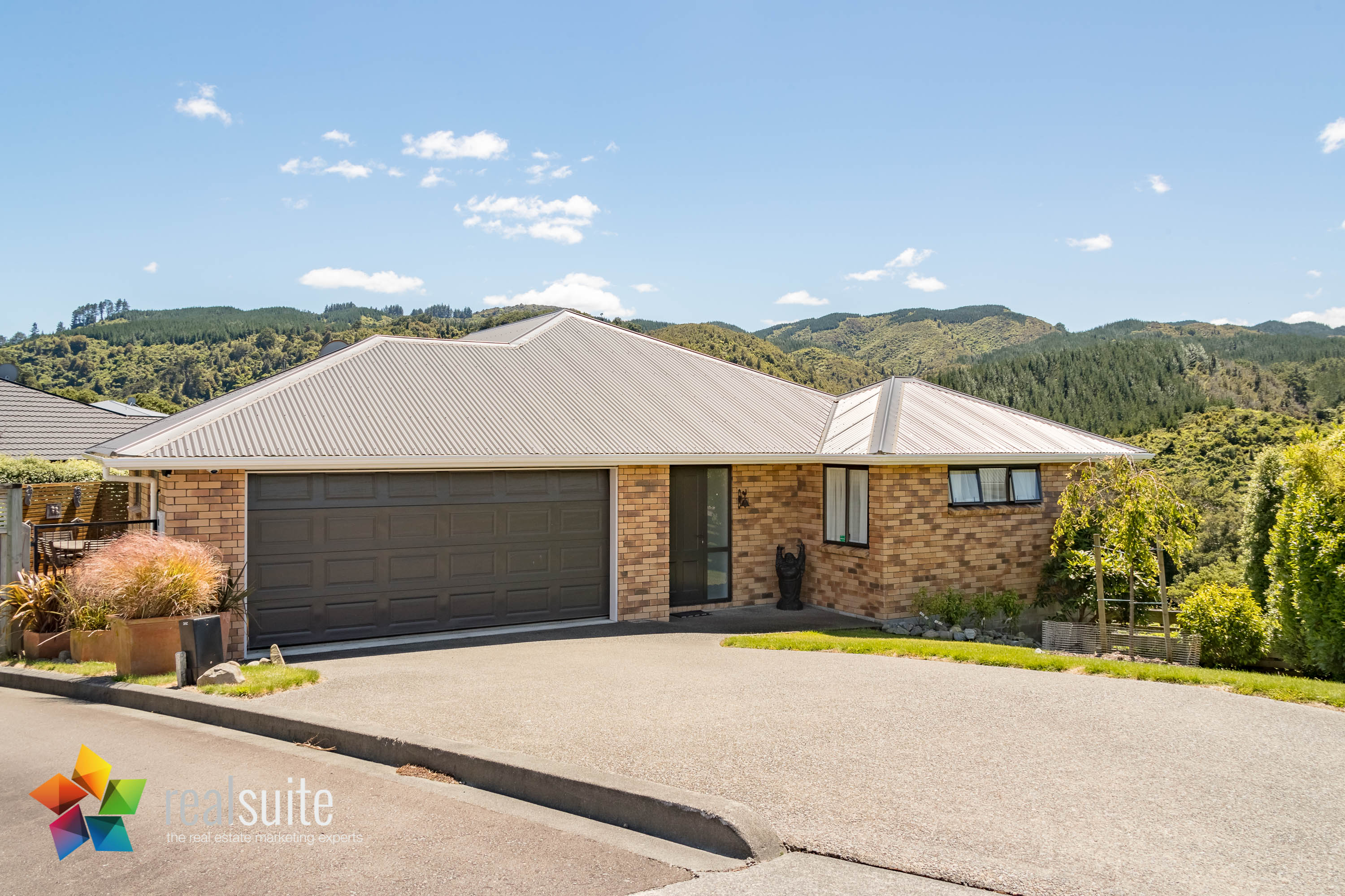 9 McEwen Crescent, Riverstone Terraces 8477