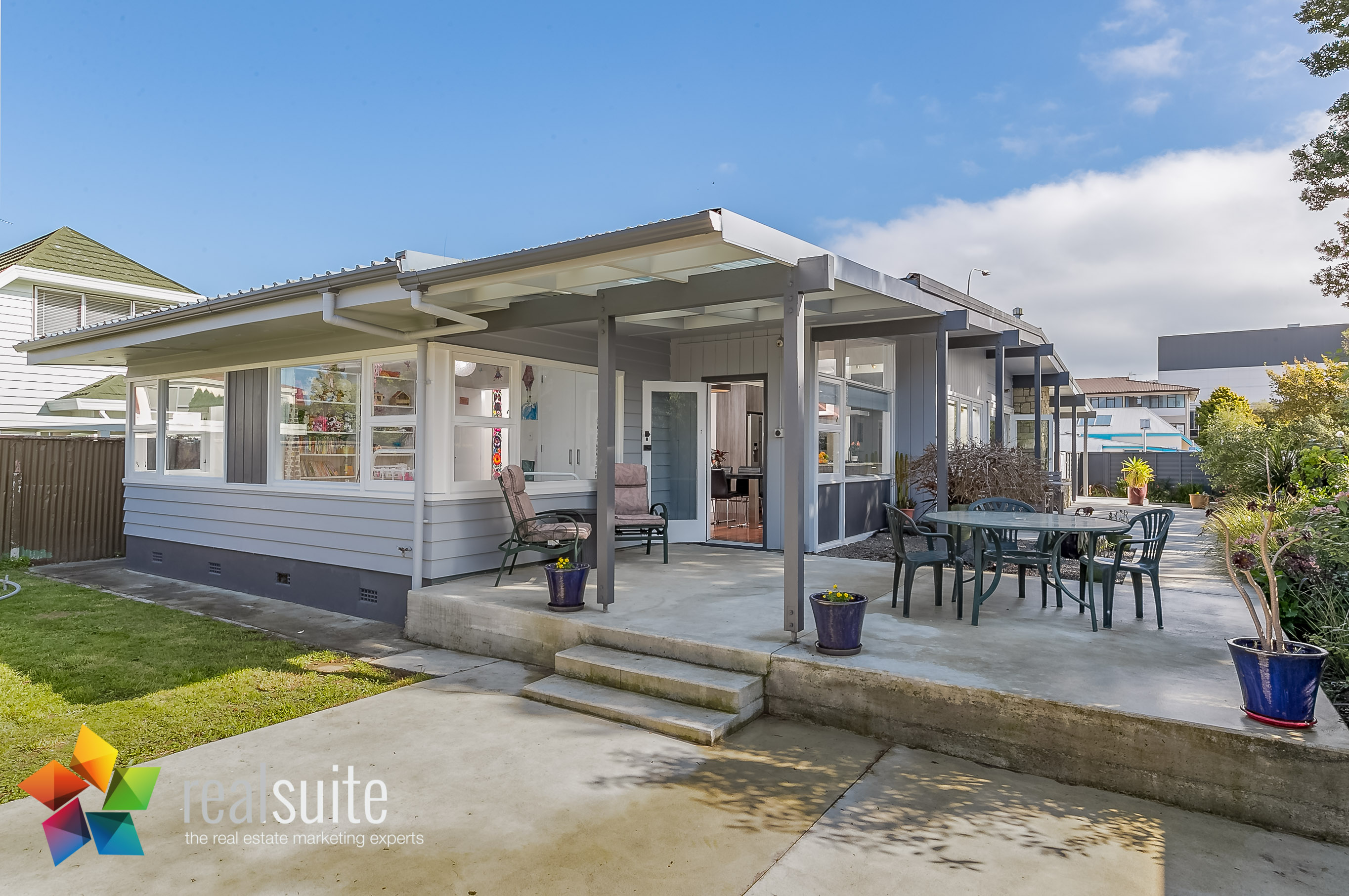 6A Cornwall Street, Lower Hutt 8254-LightsONDoorOpen