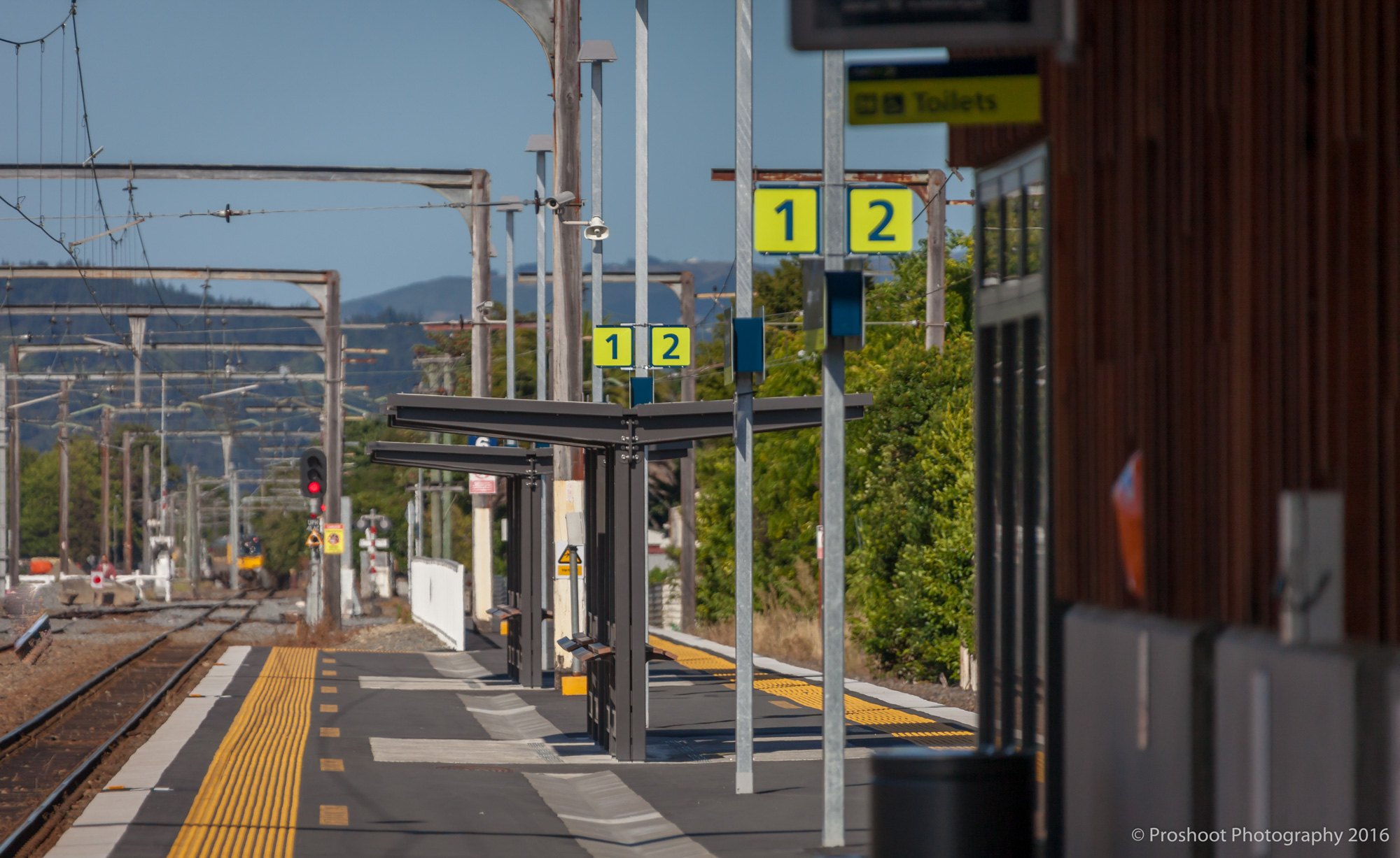 Dzine Train Station 3914