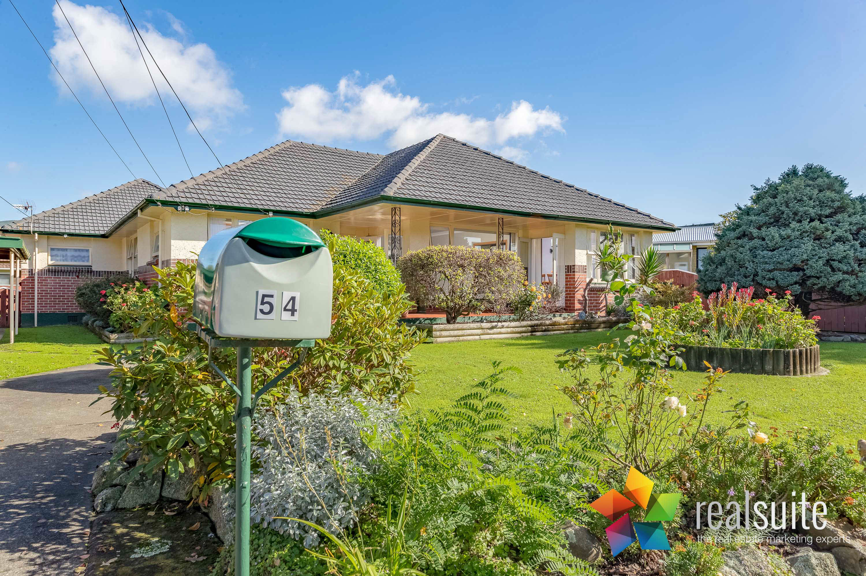 54 Garden Rd, Avalon 5151-LightsON
