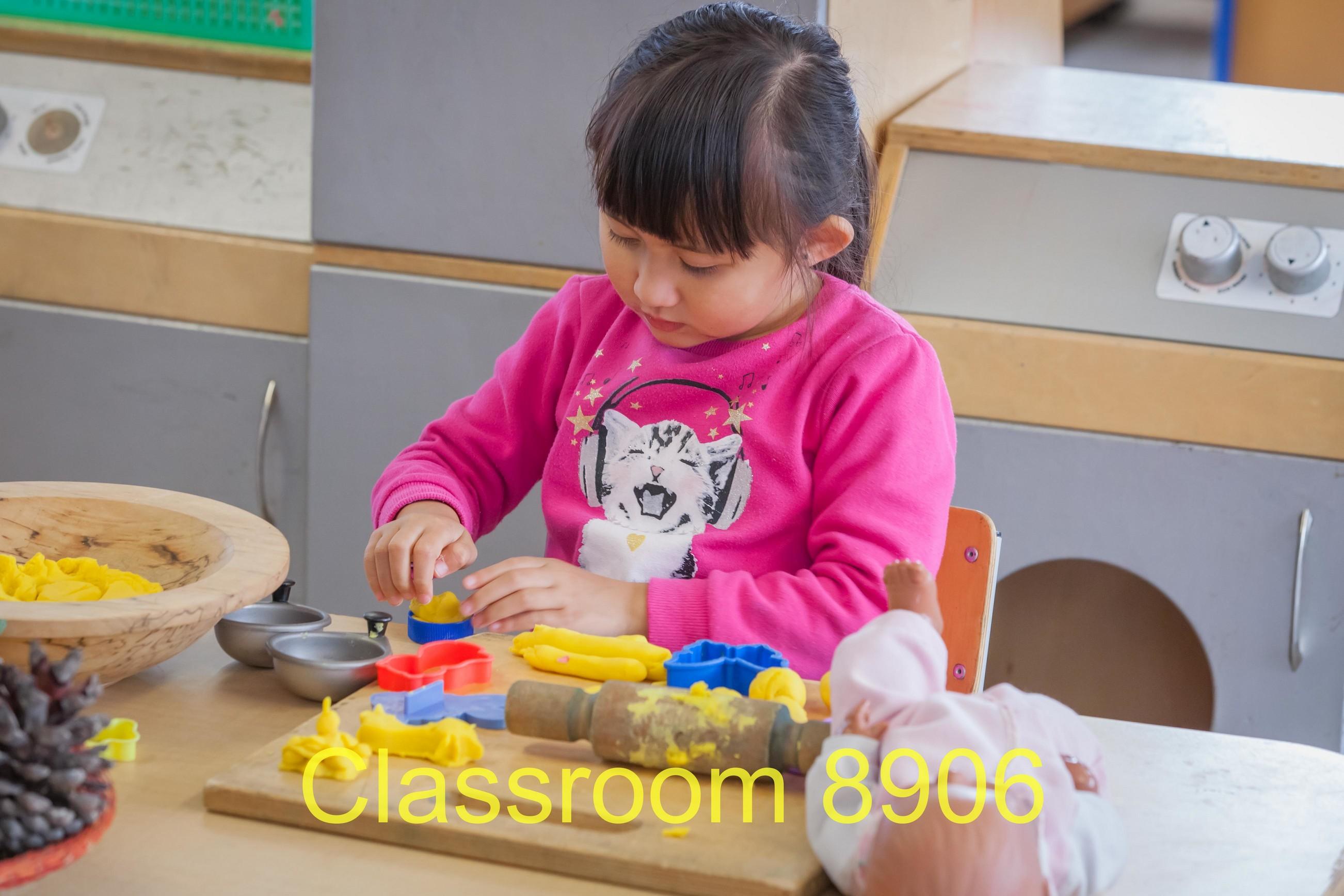 Classroom 8906