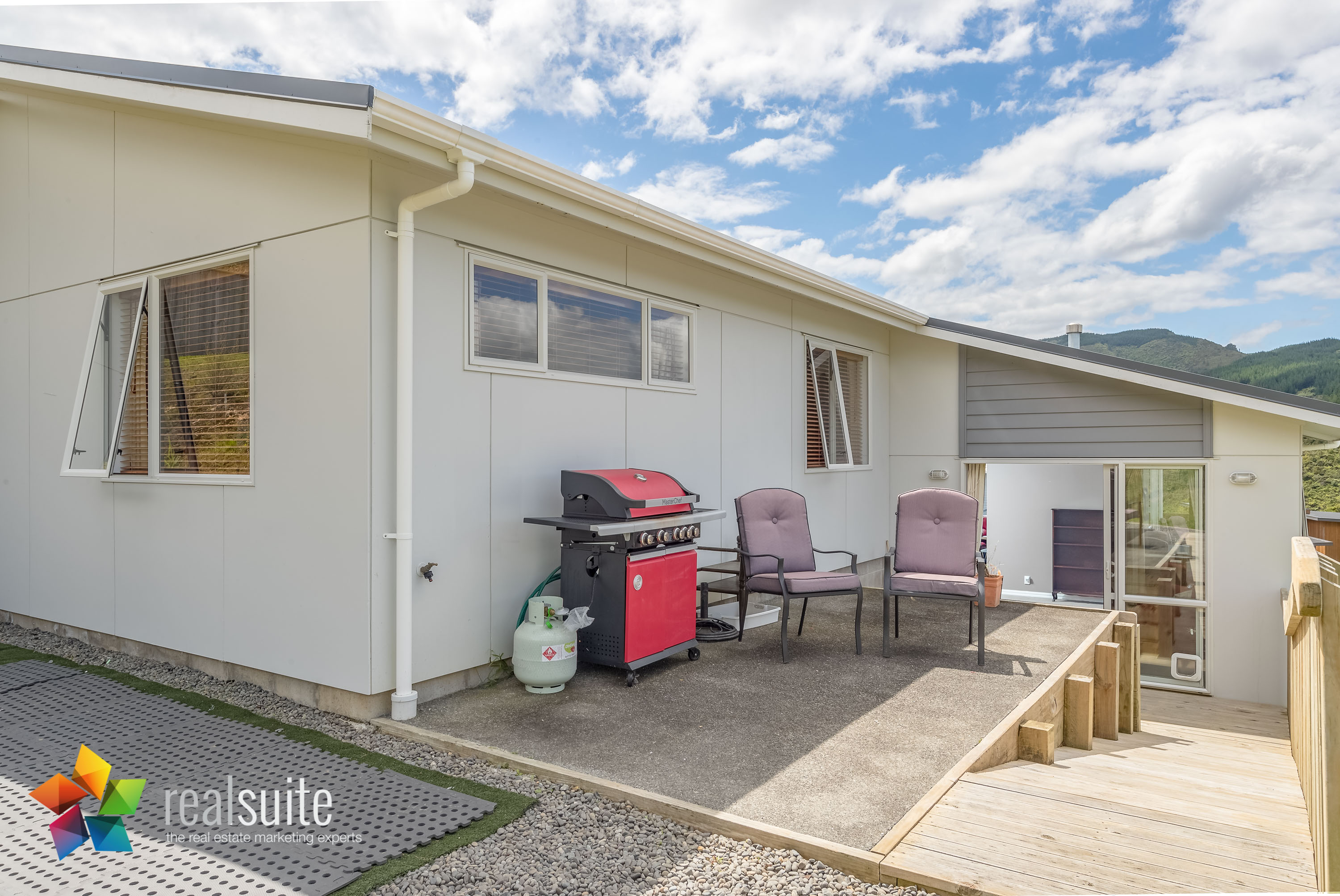 10 Frankie Stevens Place, Riverstone Terraces 4240