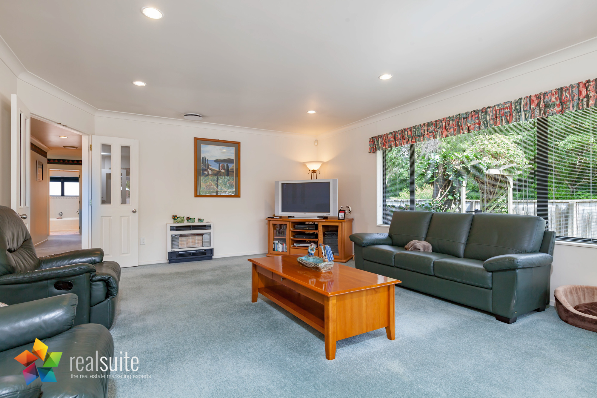 43 Maryhuse Grove, Manor Park 8359
