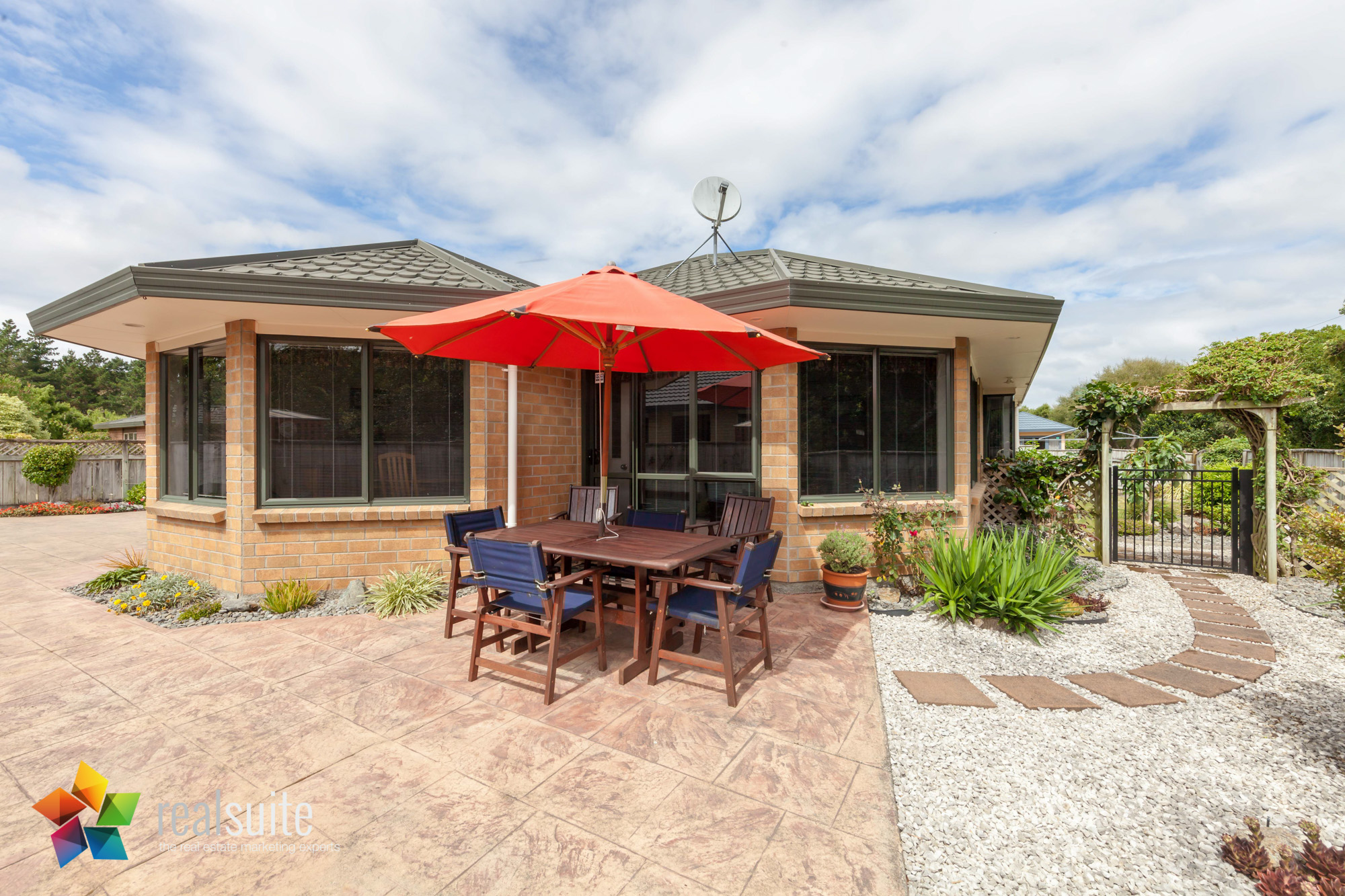 43 Maryhuse Grove, Manor Park 8453