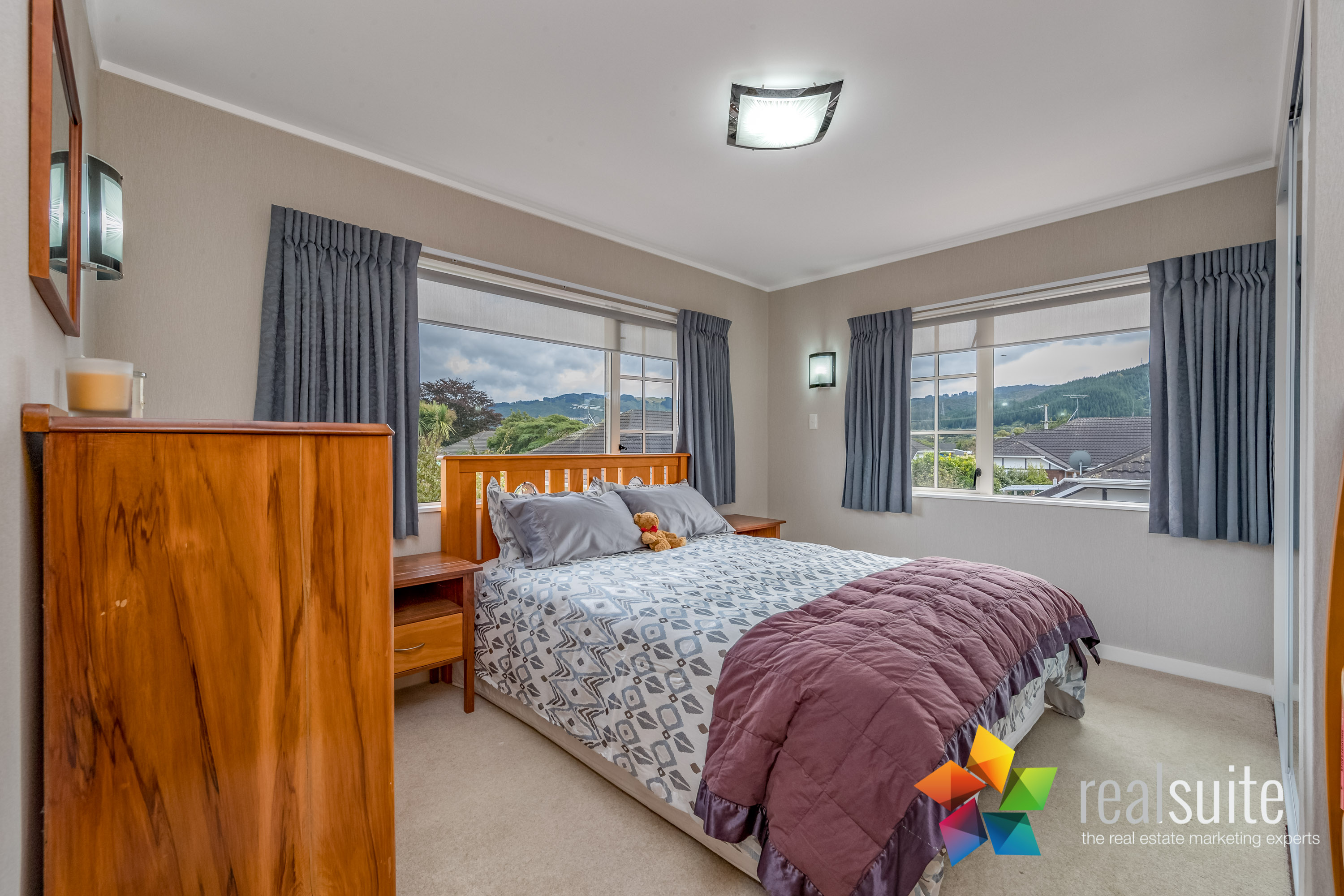 12 Comeskey Grove Upper Hutt 3896