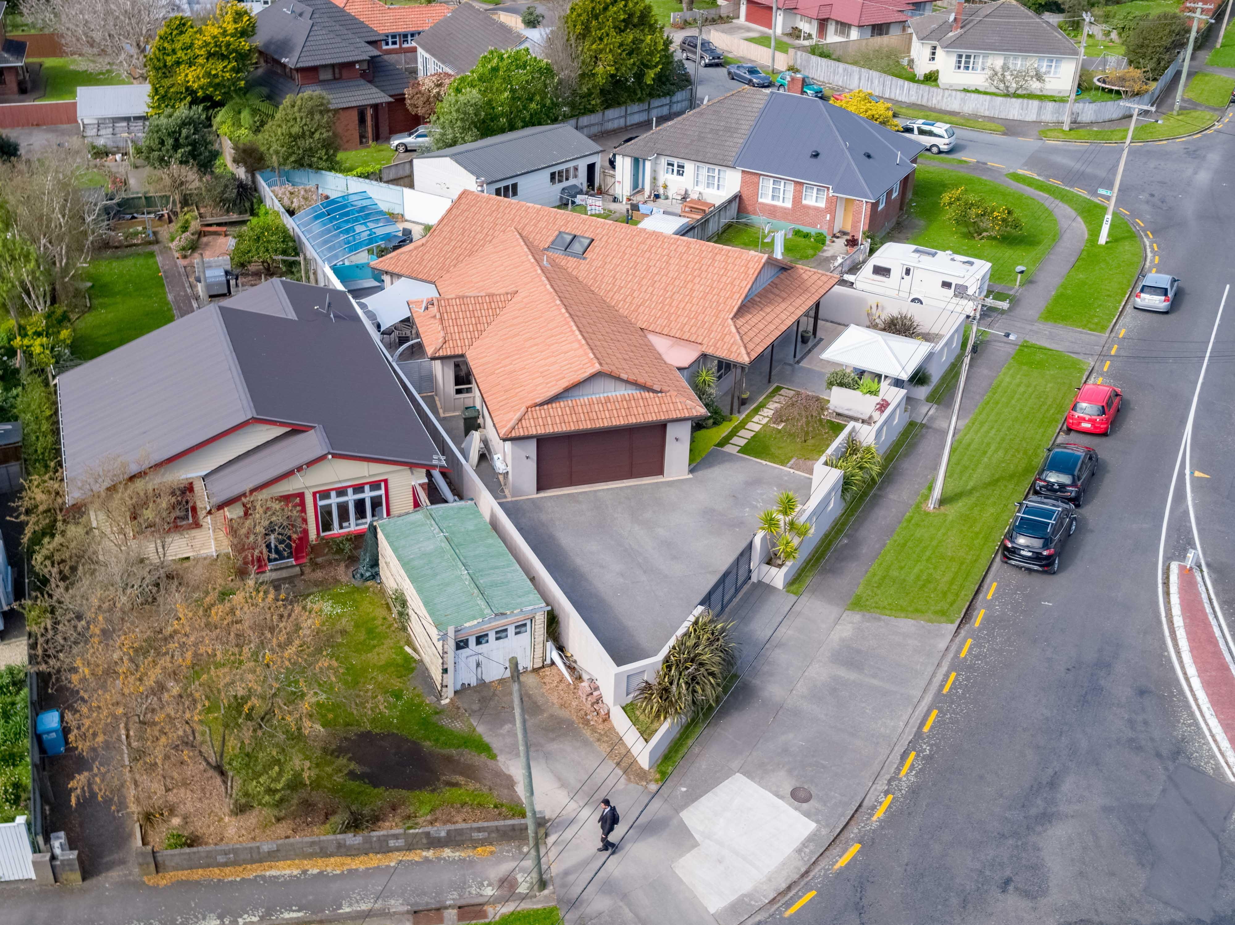 1 Brees Street, Lower Hutt Aerial 0280 Boundary 1